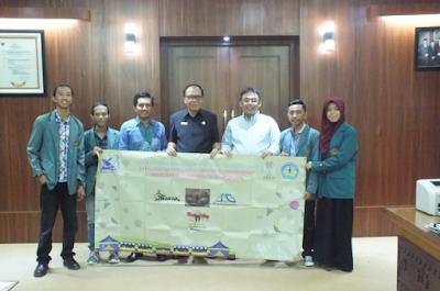 Rektor Unila Lepas Keberangkatan Peserta KMI Expo