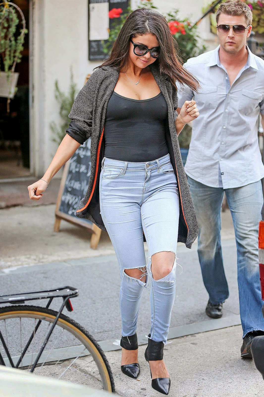 Selena Gomez Goes Braless Out And About In New York-5778