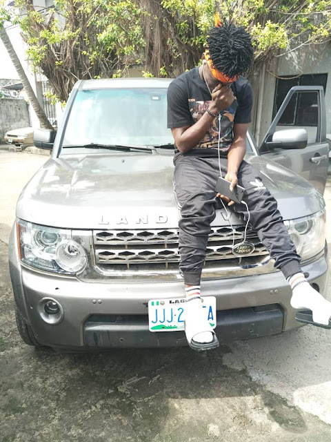 19 year old barber signs a multi million naira contract gets SUV as birthday gift
