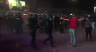 بالفيديو إشتباكات بين جماهير البرتغال و ويلزعقب إنتهاء المباراة