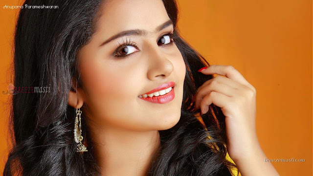 Sexy Indian Film Actress Anupama Parameshwaran Hd Wallpaper A2z