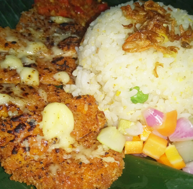 Icip nasi goreng ayam mozalera saat nobar master chef Indonesia