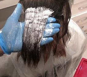 Saçtaki Boyayı Kusturmak