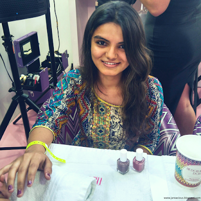 Beauty Pop Event - Dubai Getting my nails painted