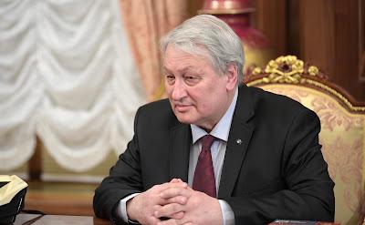 Leonid Reshetnikov in Kremlin.