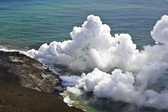 Plumes photos, plumes in sea, plumes in island hawaii