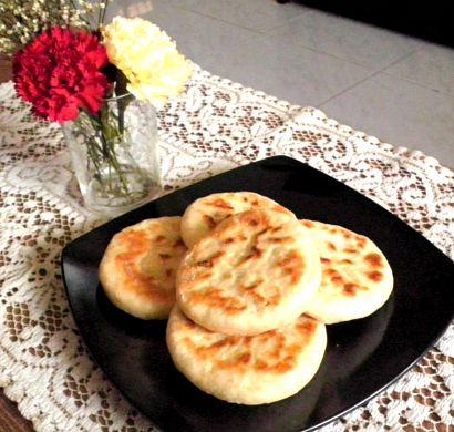 TREAT & TRICK: HODDEOK (KOREAN SWEET PANCAKE) Hoddeok Sweet Korean Pancakes