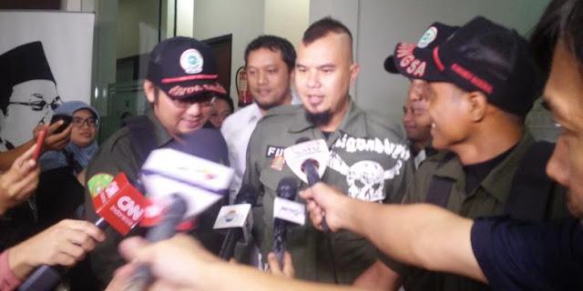 PKB Lirik Ahok, Bagaimana dengan Ahmad Dhani? - Ahmad Dhani di kantor DPP PKB, Jakarta Pusat, Jumat (11/3/2016) malam.