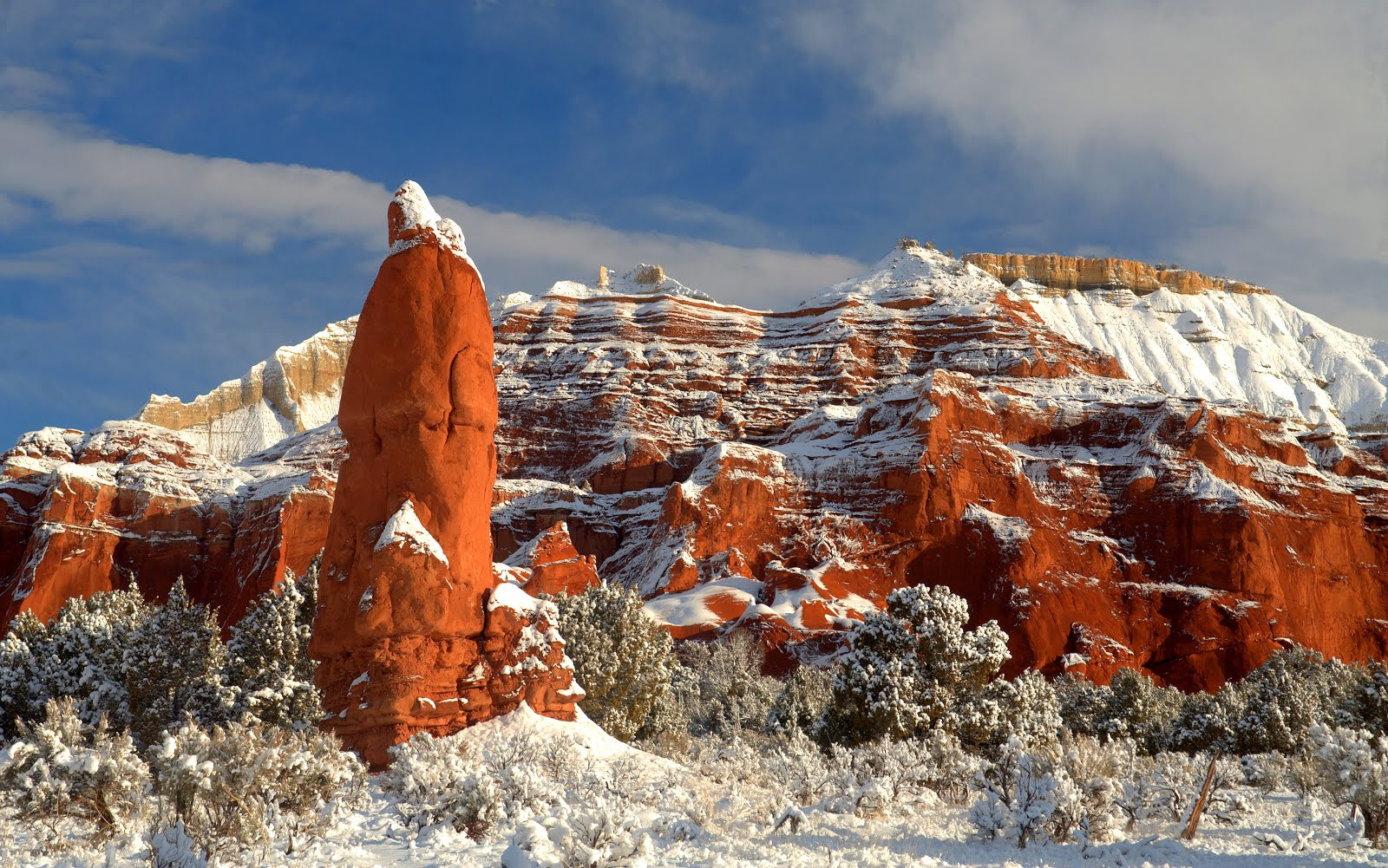Stunning snow covered Bryce Canyon Country