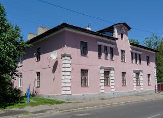 Пінськ. Вул. Кірова. Житлові і комерційні будинки