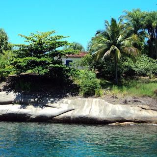 Pequena casa na pequena Ilha Comprida, Paraty