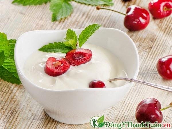 Chữa bệnh hôi miệng bằng sữa chua