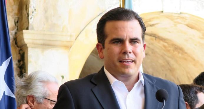 El gobernador de Puerto Rico extiende hasta el domingo toque de queda tras huracán