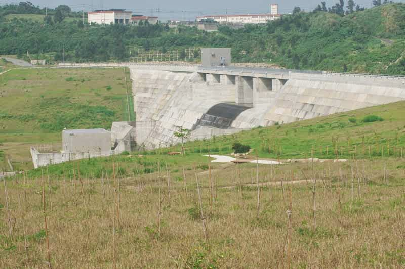 right side view, Kin Dam