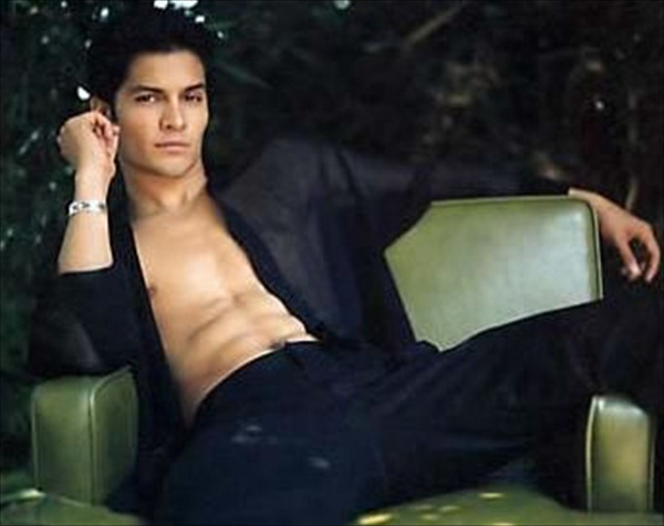 Nicholas gonzalez gay photos