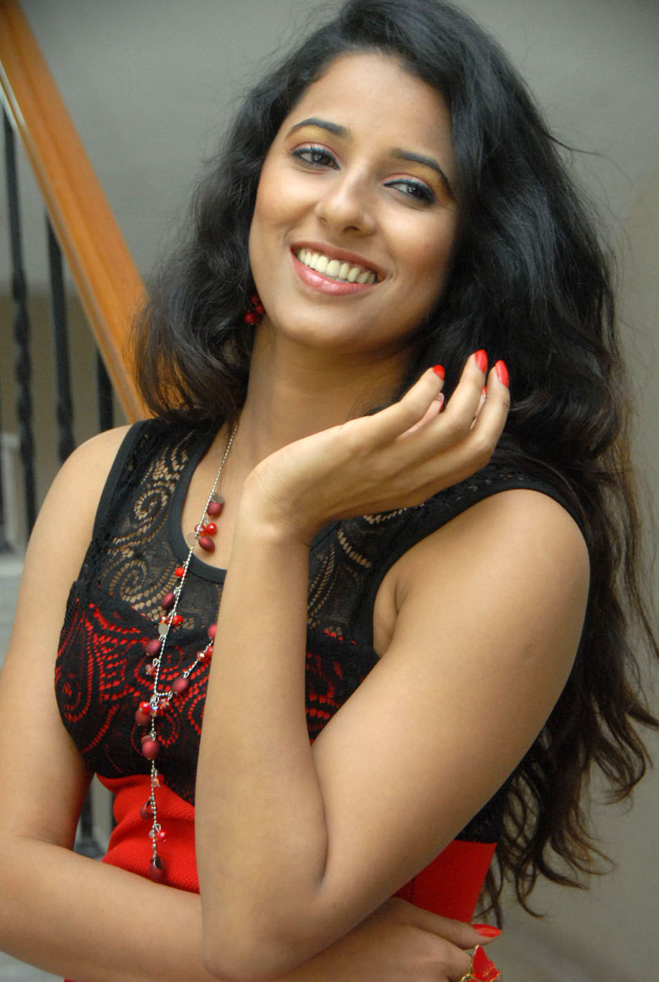 Shreya reddy latest hot pics