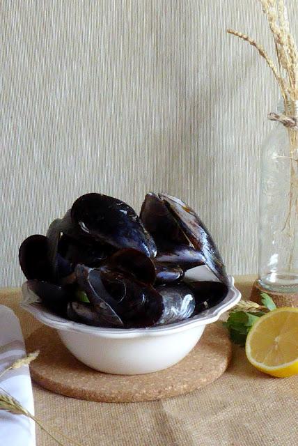 https://alf-lachefa.blogspot.com.es/2015/09/mejillones-con-patatas-fritas-o-moules.html