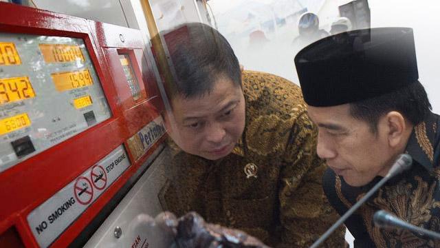 Kenaikan Premium Ditunda, Gerindra: Jokowi Panik, Takut Kalah