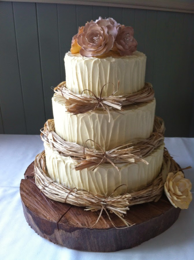 http://cakecentral.com/g/i/2860129/a/84/caramel-mud-cake-chocolate-mud-cake-chocolate-cherry-ripe-mud-cake-modern-butter-cream-briar-roses-raffia/
