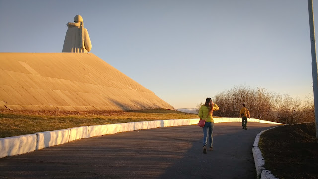 Unknown solidier's statue; Murmansk, Russia