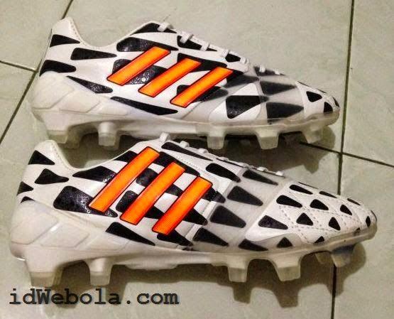 Sepatu Bola Adidas Nitrocharge Batlepack