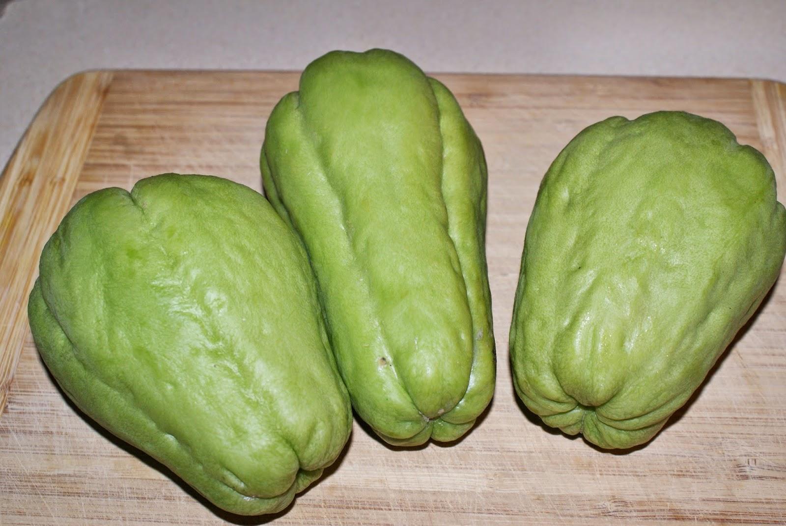 Nepali Tummy!!: Chayote Squash (Ishkus) Curry Recipe!!