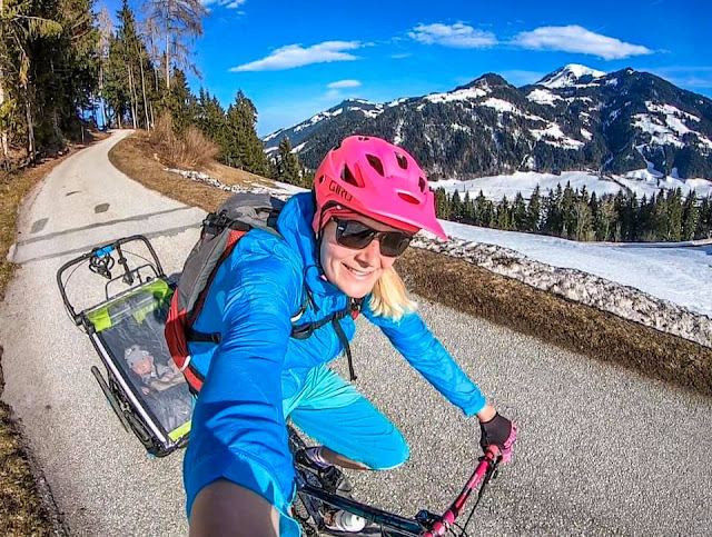 Baby Hacks Mountainbike mit Kleinkind
