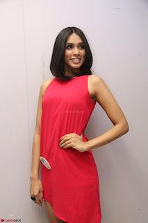 Spatika Surapaneni in Red Tight Dress at FBB Miss India 2017 finalists at Telangana auditions Feb 2017 (53).JPG