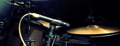 http://compolitica.com/usos-dificultades-y-peligros-del-pop-rock-en-comunicacion-politica/