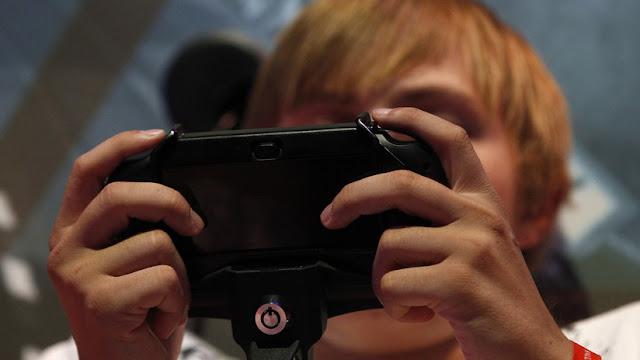 Un hombre contrata asesinos virtuales para 'matar' a su hijo en un videojuego