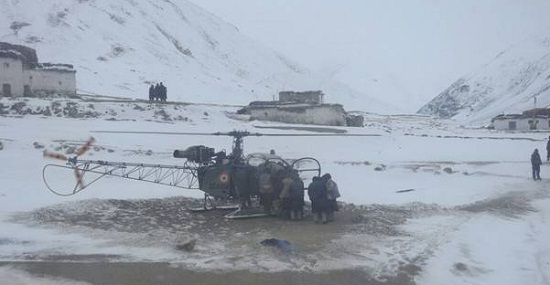 New Delhi, Indian Air Force, IAF pilots, Jammu and Kashmir, snowfall, Leh, Cheetah helicopter, trapped in snowfall, Ladakh, Stanzin Laton, Kurgiak village IAF pilots saved life of pregnant woman