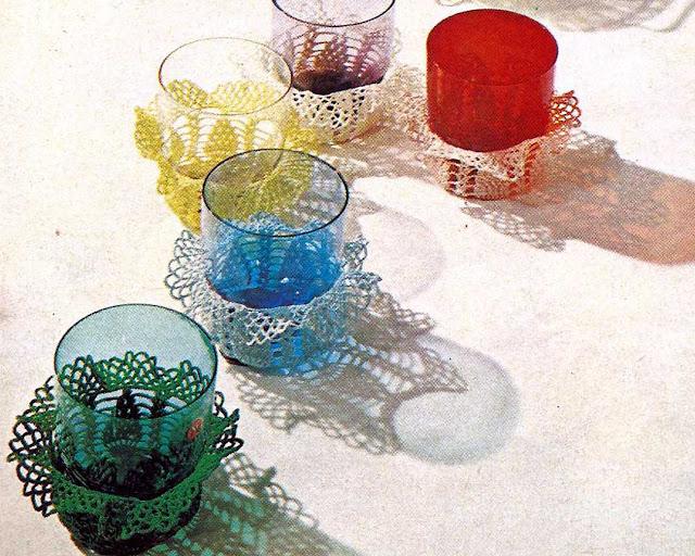 Patrón 1029 Fundas con Volantes para Vasos a Crochet
