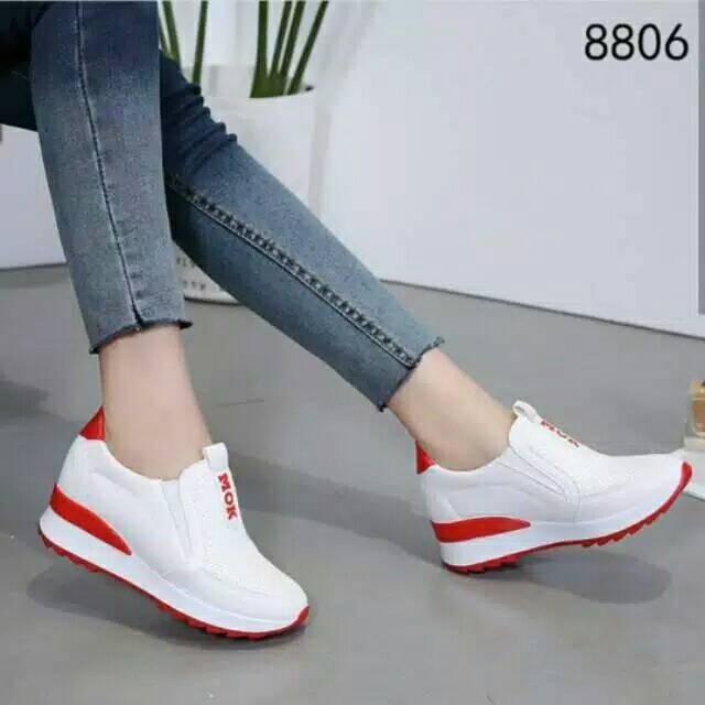 Sepatu Wanita Slipon Mok Putih & Lits Merah