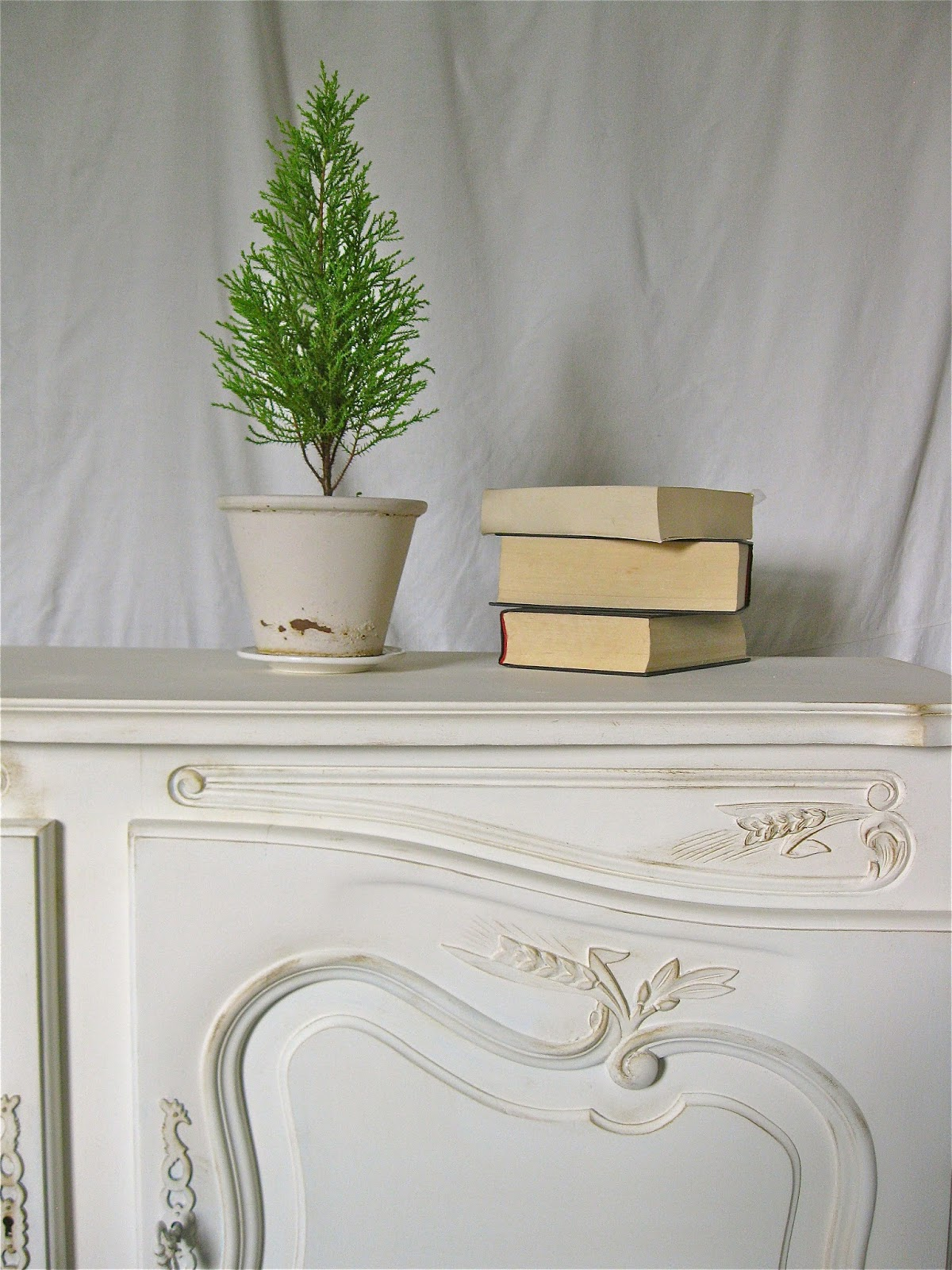 How To Paint French Provincial Style