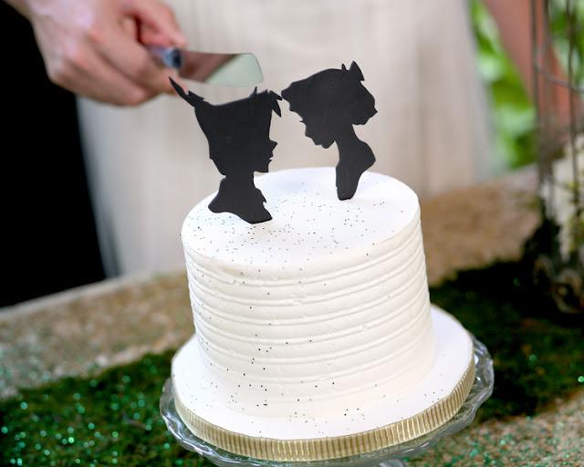bride+groom+peter+pan+themed+neverland+wedding+tinker+bell+fairytale+princess+wendy+darling+captain+hook+fairy+dust+green+rustic+andy+sams+photography+12 - Neverland