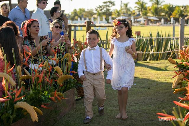 casamento no club med trancoso destination wedding na praia, daminha e pajem