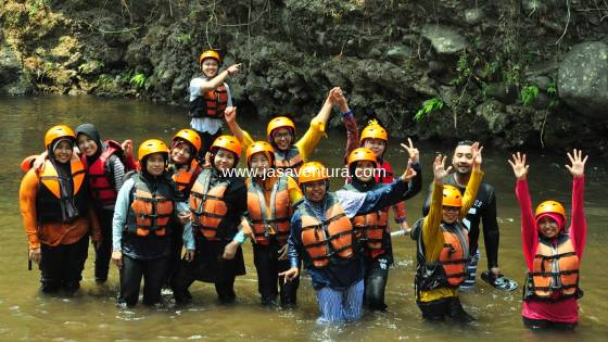 outbound dan rafting pacet mojokerto