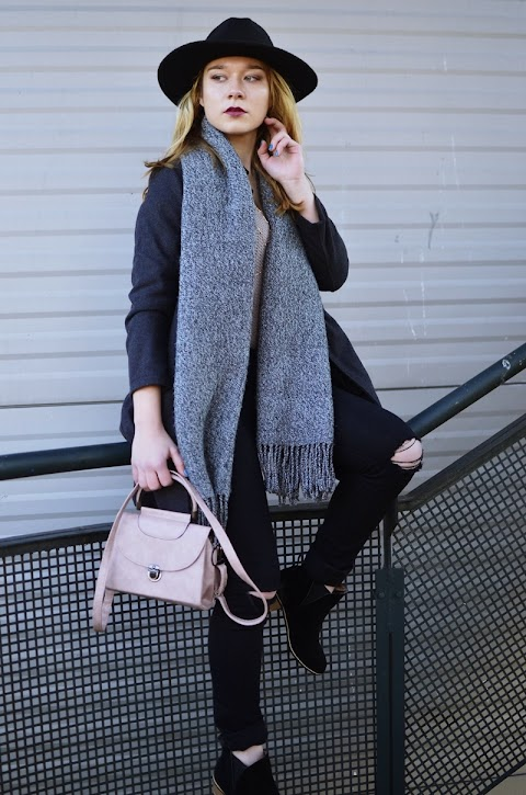 SWEATER WEATHER | BODY CHAIN | PINK BAG