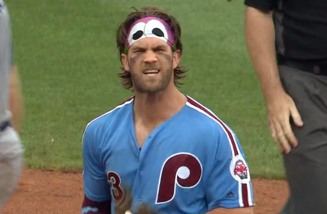 Bryce Harper sports Philly Phanatic headband vs Dodgers 7/18/2019