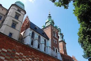 autre vue de la cathédrale lors de la montée de la colline Wawel