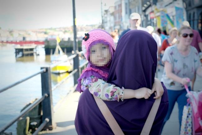 cara membuat anak nyaman dengan ke-baper-an orangtuanya termasuk cita-cita menjadi hafidz atau hafidzah