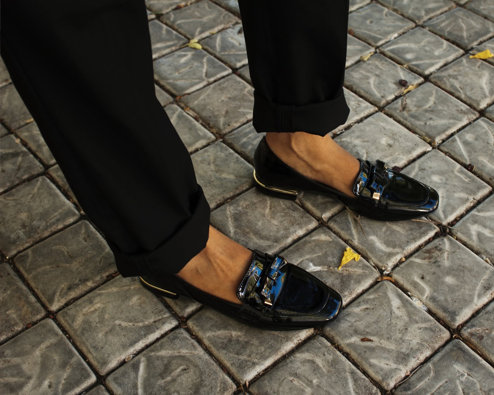 Liezel-Esquire-loafers