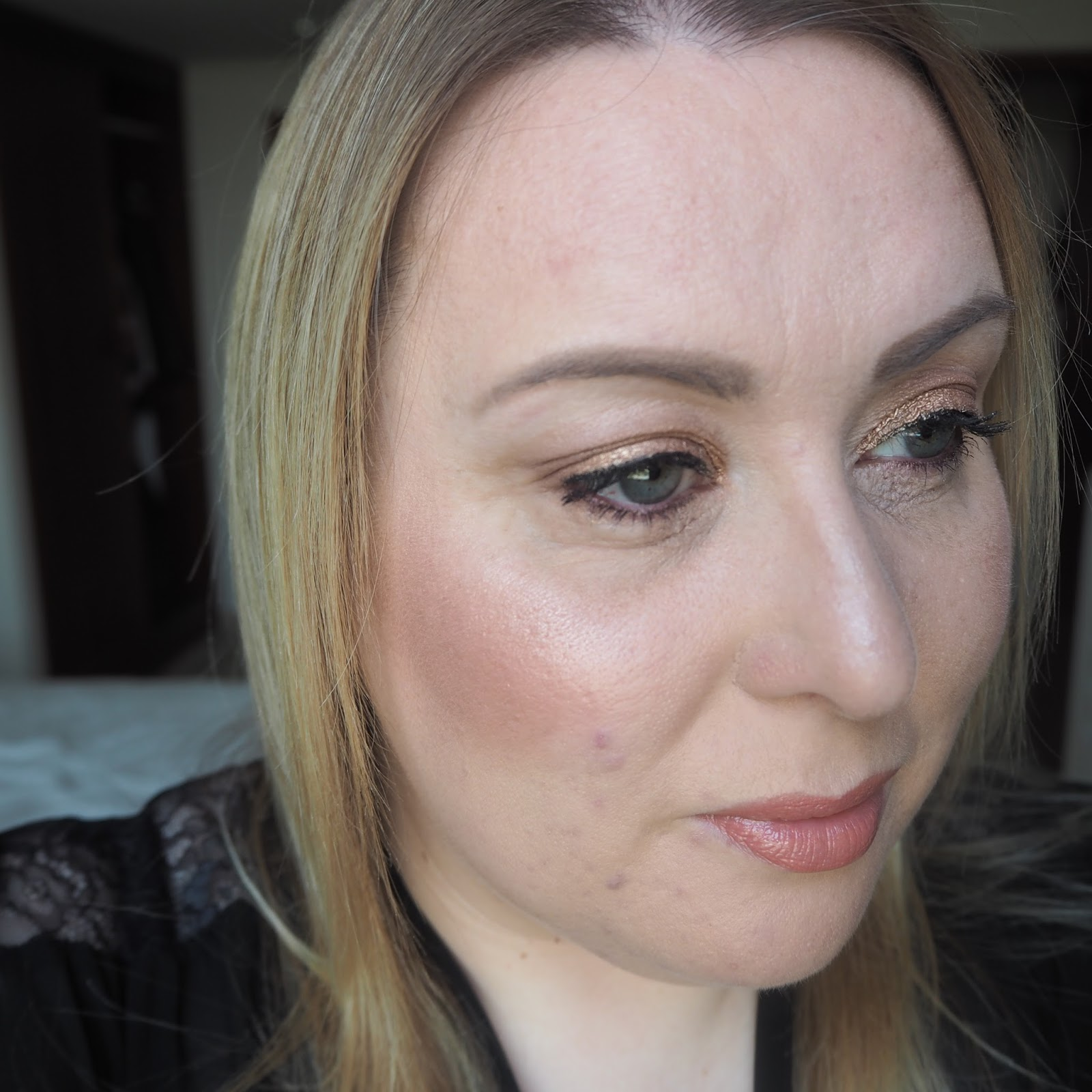 Anastasia Glow Kit in Gleam review Starburst