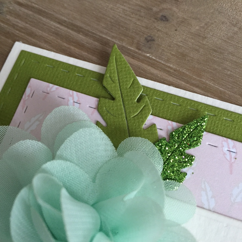 des cartes dans un combo vert et rose. Black Bedroom Furniture Sets. Home Design Ideas
