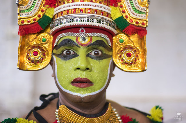 danzante de kathakali en kerala india
