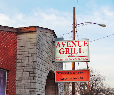 Avenue Grill (sign) Homestyle Food Since 1962