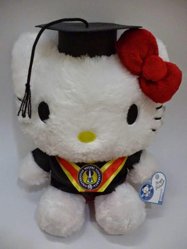 Gambar boneka hello kitty wisuda gratis download