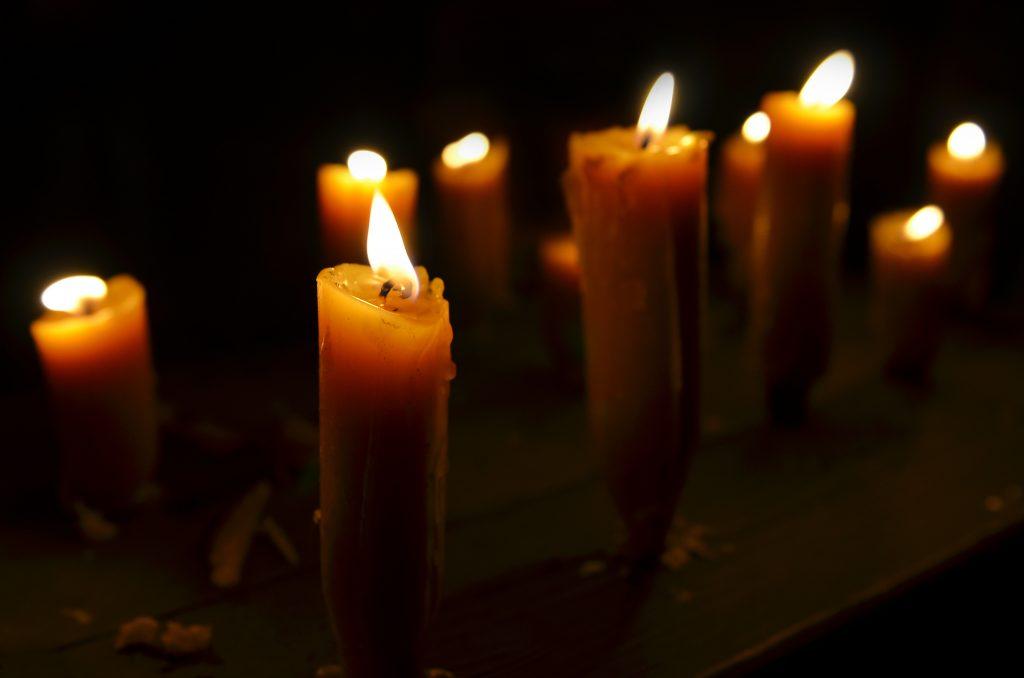 приворот с сплетёнными свечами и фото на рождество