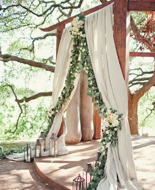Wedding Decorations With Balloons And Flowers 4