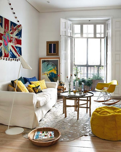 Artsy Living Room: 10 Living Rooms That Inspired Me